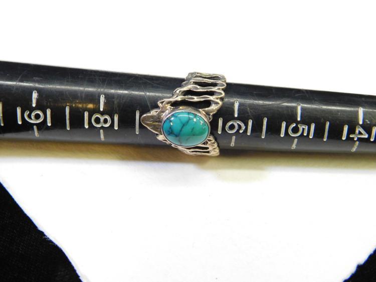 Lot 177: Vintage Navajo Sterling Silver Spider Web Turquoise V Ring Size 6.5