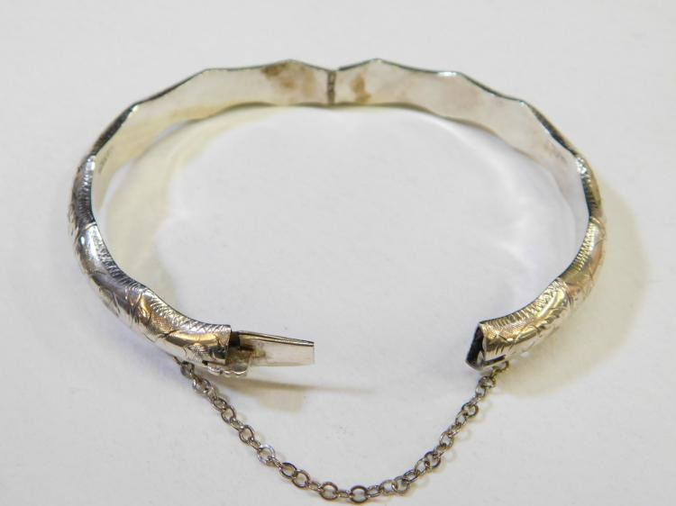 Lot 191: Vintage Sterling Silver Bamboo Siam Hinged Bangle Bracelet 14.8G