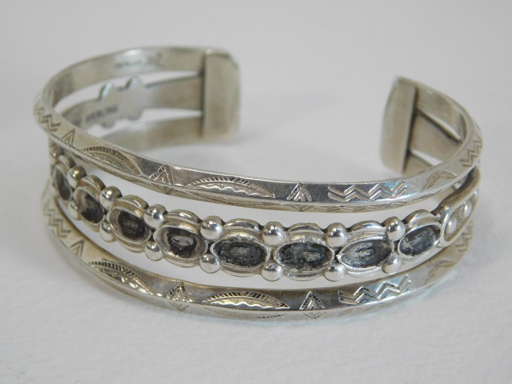 Vintage Bell Trading Post Native American Navajo Sterling Stamped Cuff Bracelet For Repair 29G