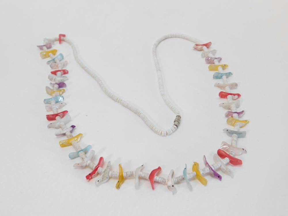 Vintage Native American Navajo Heishi Shell Bird Fetish Bead Necklace