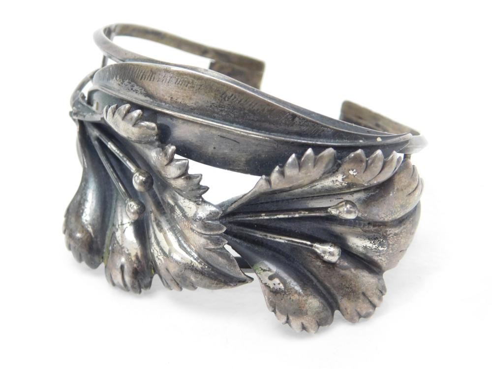 Vintage Native American Custom Made Sterling Silver Flower Cuff Bracelet 34G