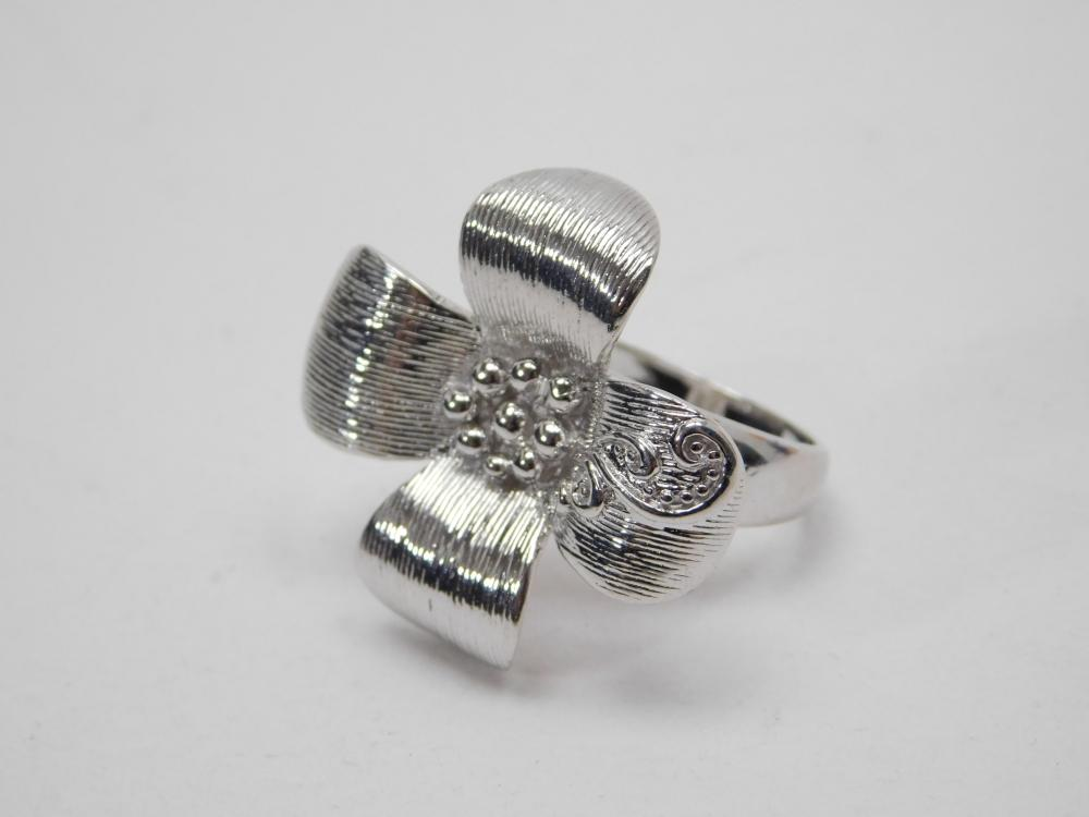 Large Sterling Silver Dogwood Flower Fashion Ring 11.5G Sz9