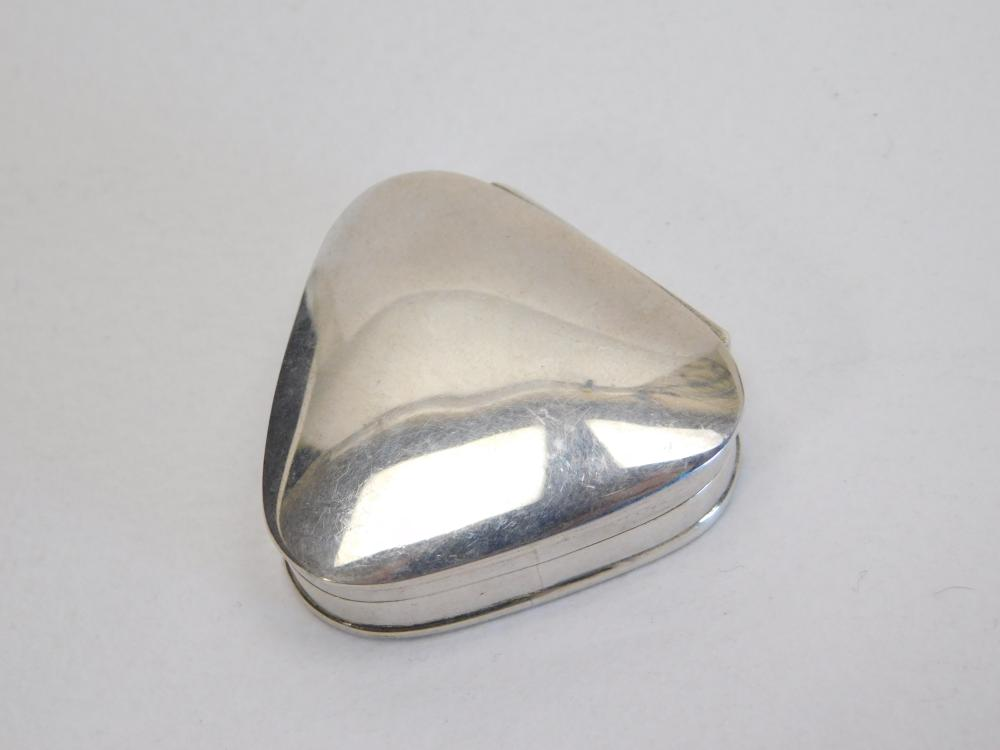 Vintage Mexico Sterling Silver Handmade Miniature Pill Or Trinket Box 13G
