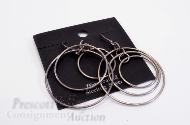 Lot 82: 7.4 Gram Sterling Silver and Graduated Hoop Dangle Earrings