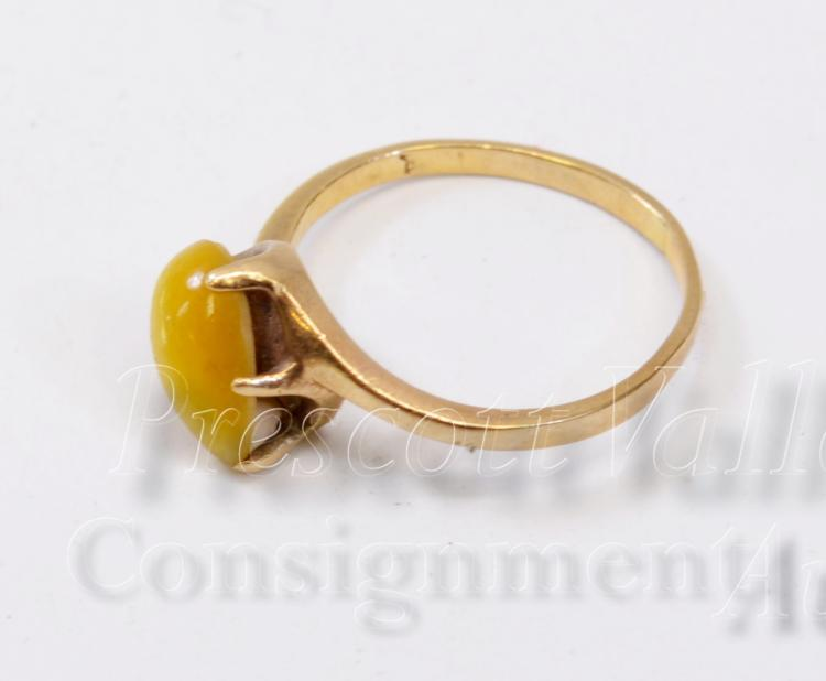 Lot 88: 1.5 Gram 10K Yellow Gold and Tigers Eye Ring Sz 5.25