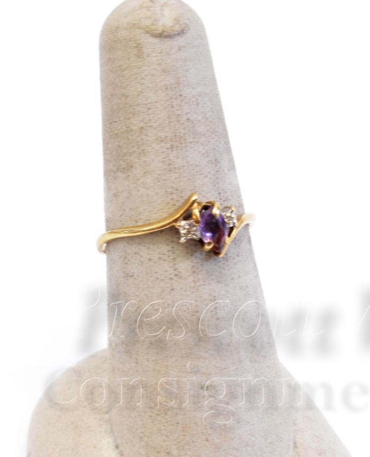 10K Yellow Gold Amethyst and Chip Diamond Ring Sz 7.75