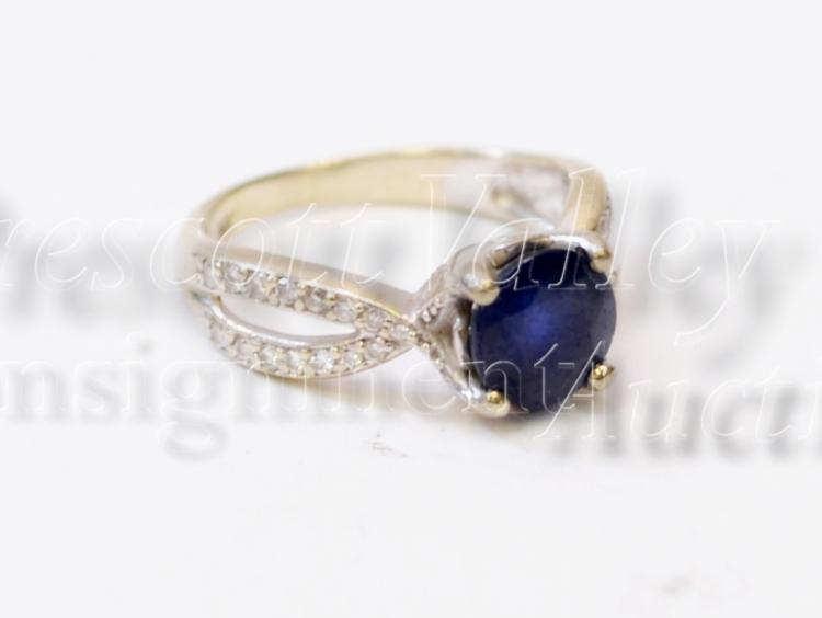 3.7 Gram 14K White Gold Blue Sapphire and Chip Diamond Ring Sz 5.75