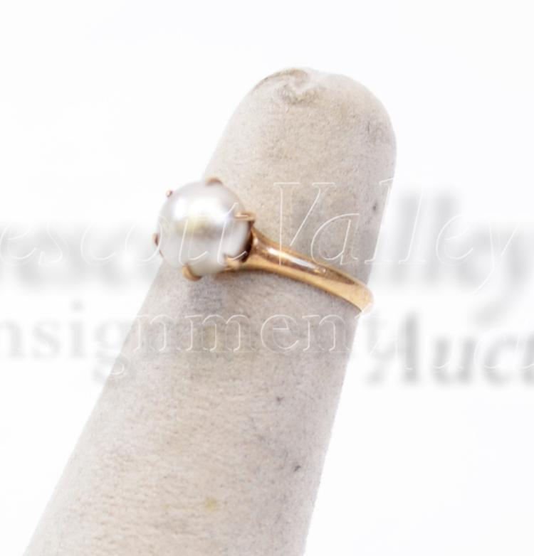 Lot 113: 1.4 Gram 14K Yellow Gold and Pearl Vintage Solitaire Ring Sz 4.75