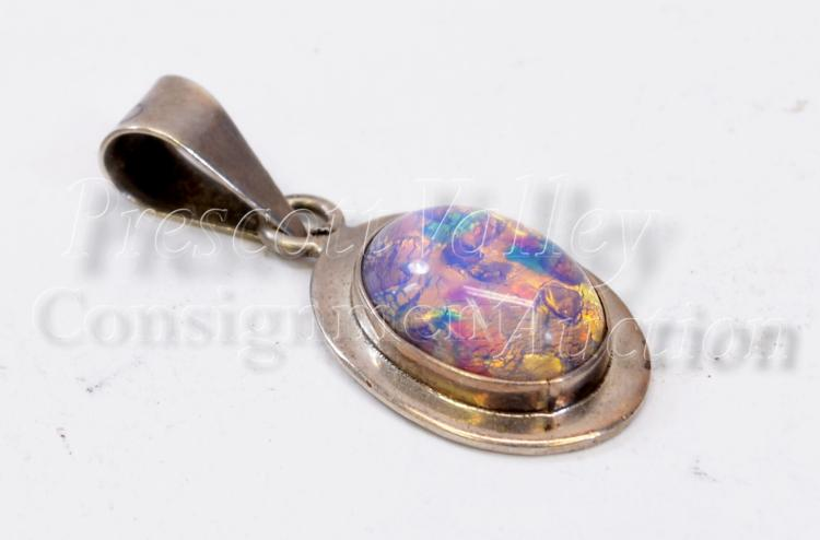 Lot 142: 9.6 Gram Mexican Taxco TC-126 Sterling Silver and Capped Opal Pendant