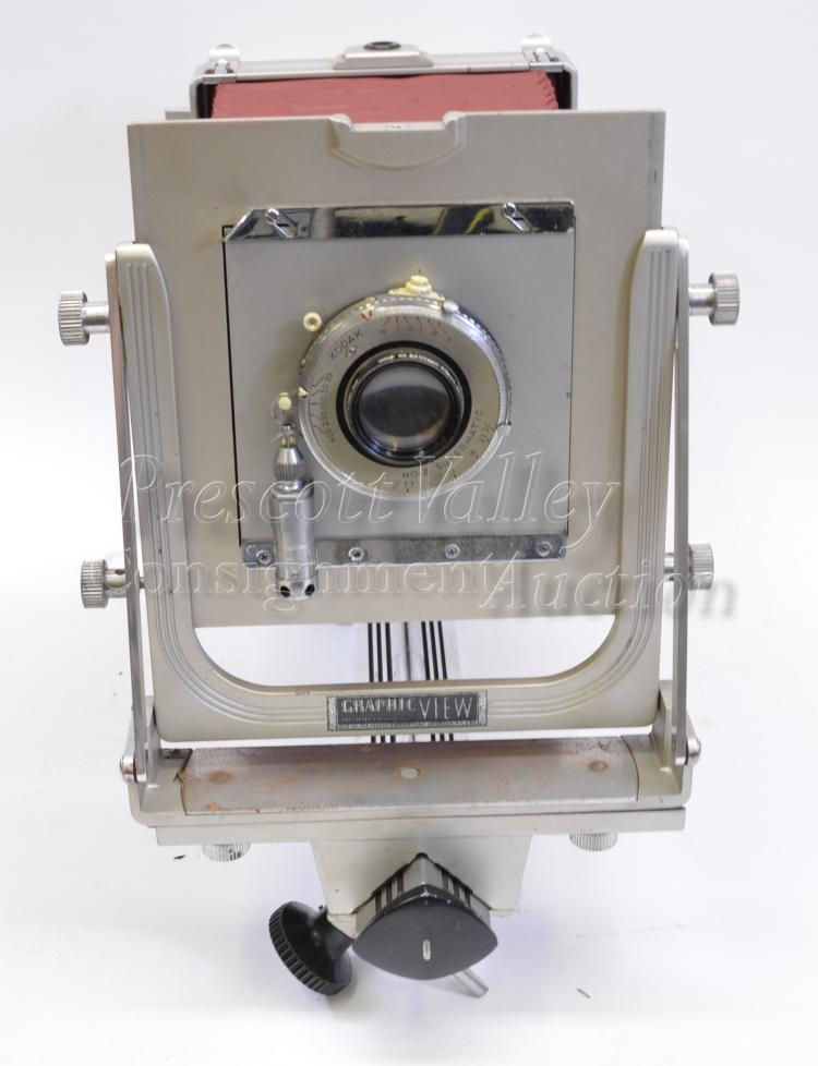 """Lot 150: Vintage Graflex Graphic View Large Format 4""""x5"""" Camera in Case with Kodak No. 2 Supermatic Lens and 6 Plates"""