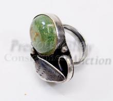 Lot 167: 11.3 Gram Navajo Old Pawn Sterling Silver and Green Turquoise Ring Sz 5.5