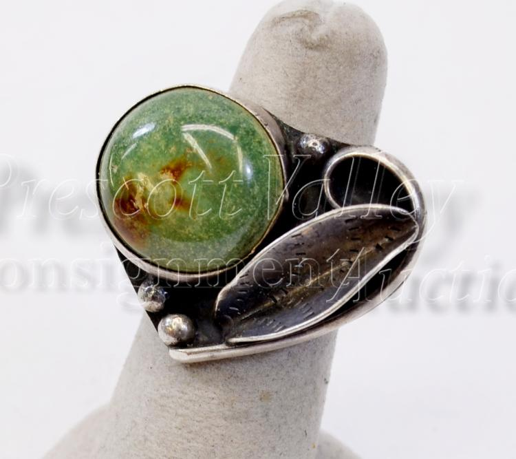 11.3 Gram Navajo Old Pawn Sterling Silver and Green Turquoise Ring Sz 5.5