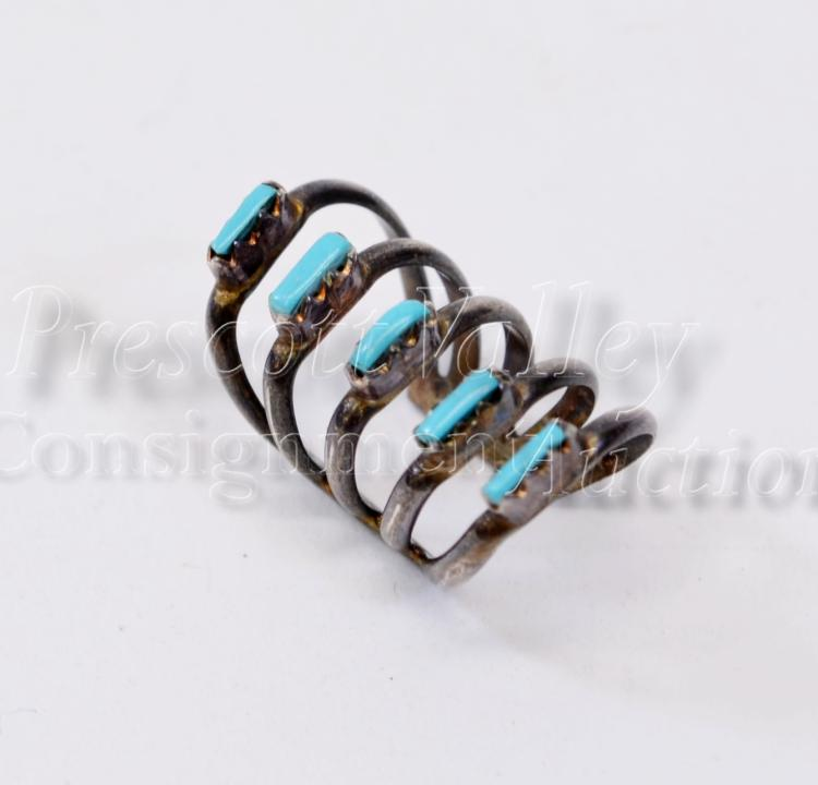 Navajo Old Pawn Sterling Silver and Turquoise Childs Ring Sz .25