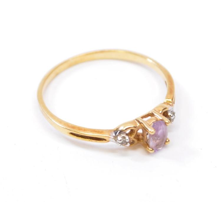 Lot 191: 1.1 Gram 10K Yellow Gold Amethyst and Diamond Chip Ring Sz 7
