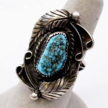 Lot 195: 10 Gram Navajo Sterling Silver and Turquoise Ring Sz 7