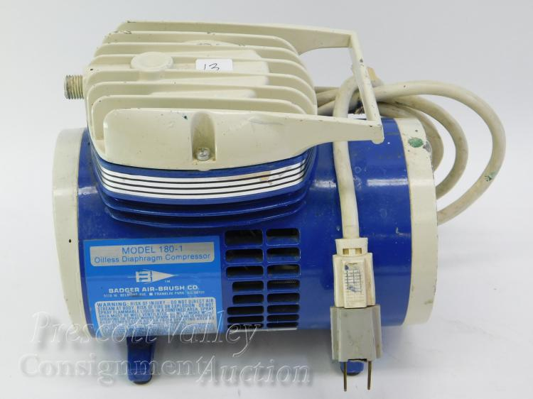 Badger Air Brush Co Model 180-1 Oiless Diaphragm Compressor