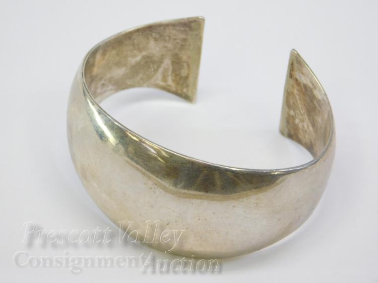 29.4 Gram Modernist Sterling Silver Cuff Bracelet