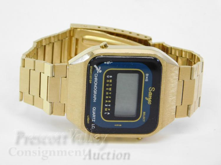 Vintage Sanyo Chronograph Gold Tone Digital Mens Wrist Watch