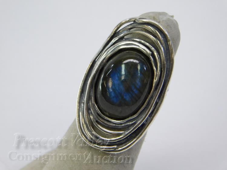 8.7 Gram Israel Didae Sterling Silver and Labradorite Ring Sz 6
