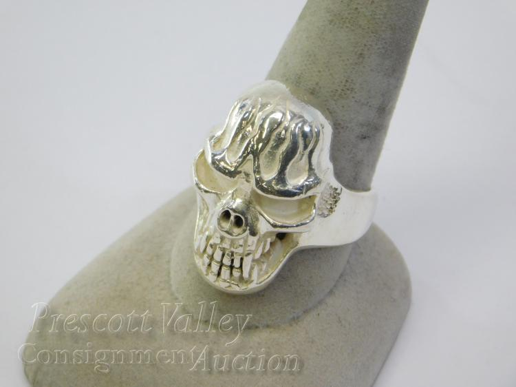 18 Gram Sterling Silver Flaming Skull Ring Signed QG Sz 10.5
