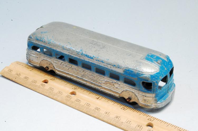 Lot 6: 1950s Diecast Greyhound Bus Toy