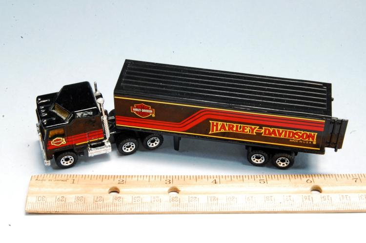 Lot 8: 1980s Matchbox Harley Davidson Semi Truck & Trailer