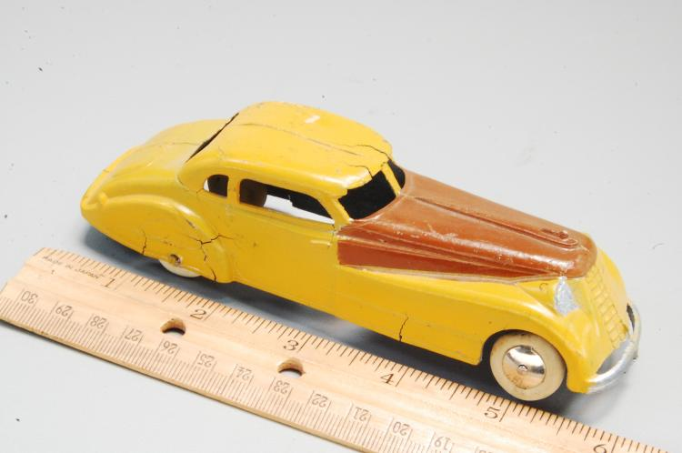 Lot 18: Antique Tootsie Toy Diecast Long Nosed Car