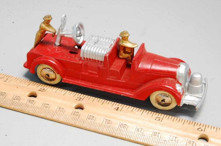 Lot 19: Antique Tootsie Toy Fire Truck