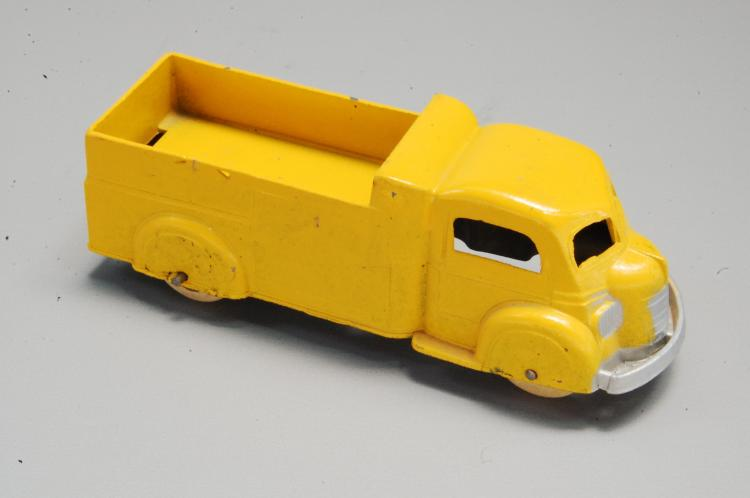 Antique Tootsie Toy No 1010 Diecast Dump Truck