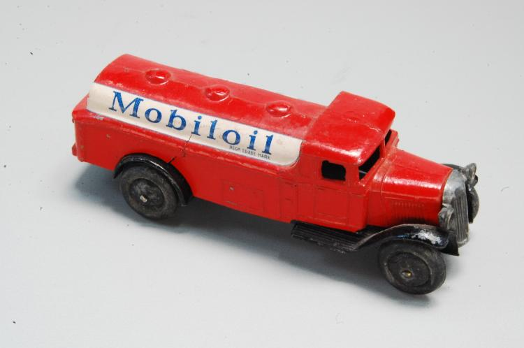 Antique Diecast Dinky Toys Mobil Oil Delivery Tank