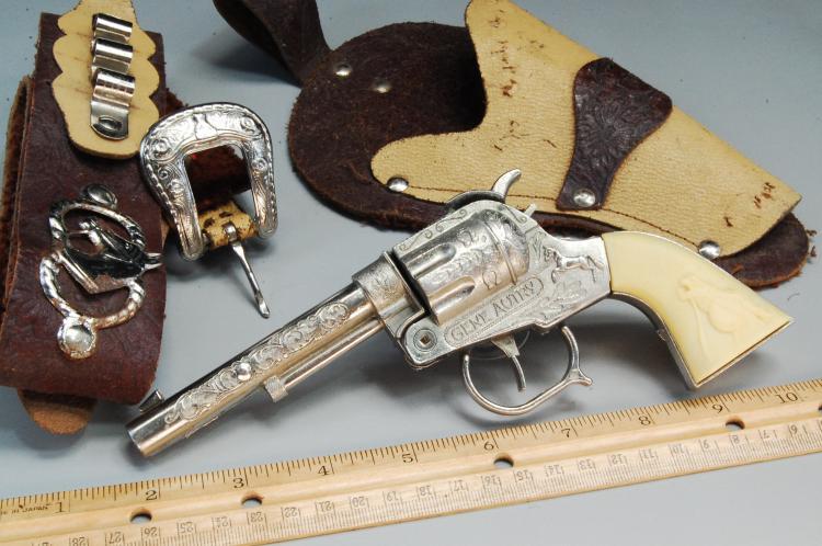 Lot 61: Vintage Gene Autry Cap Gun Holster & Belt