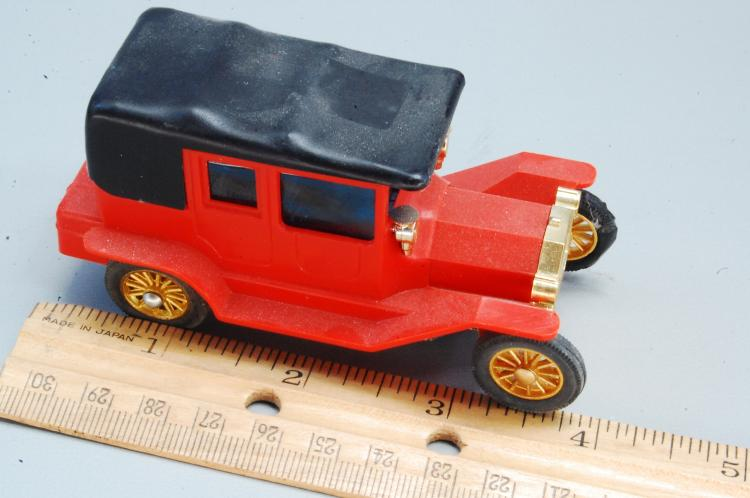 Lot 71: RARE Vintage Tyco Battery Operated Model T