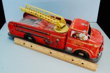 Lot 77: 1950s Marx Tin Litho Friction Fire Truck