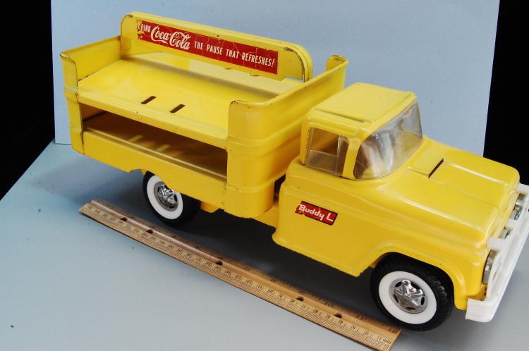 Lot 85: Vintage 1950s or 60s Buddy L Coca Cola Delivery Tr
