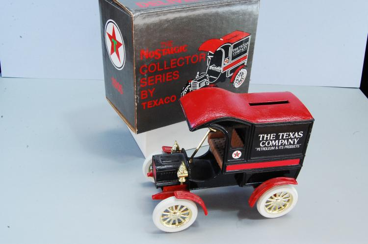 1987 Ertl 1905 Ford Texaco Delivery Car Bank