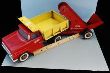 Lot 98: Vintage Tonka Dump Truck with Sandloader Trailer
