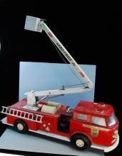 Lot 100: Vintage Large Buddy L Aero Chief Jr Fire Truck