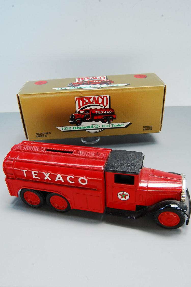 1990 Texaco #7 1930 Diamond Fuel Tanker Bank