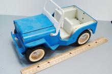 Lot 124: Vintage Tonka Pressed Steel Toy Jeep