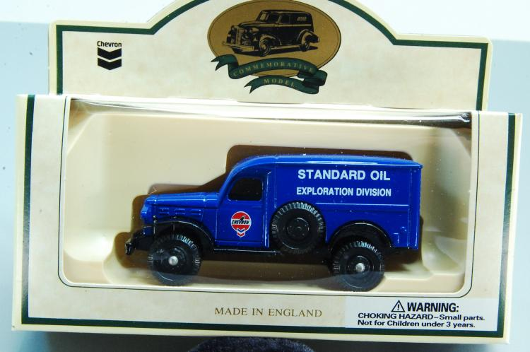 Lot 132: Chevron Lledo Days Gone 1941 4 Wheel Drive Explora