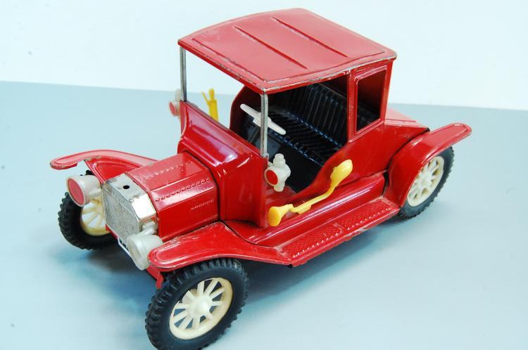 Vintage Japan Tin Toy Litho Friction 1917 Ford Mod