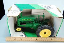 Lot 150: Vintage Ertl John Deere 1/16 Scale Model A Diecast