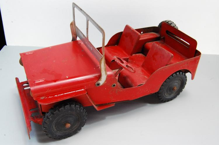 Lot 151: 1950s Louis Marx Pressed Steel Jeep Willys Metal T
