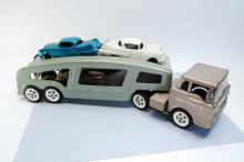 Lot 170: Vintage Structo Toys Pressed Steel Car Hauler with