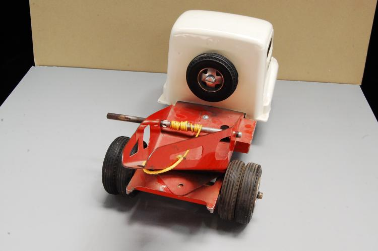 Lot 176: Vintage Smith Miller California Tow Truck Smitty T