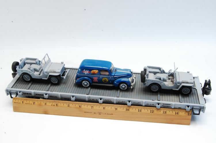 Lot 100E: Aristo Craft G Scale US Navy Transport Vehicle Flat Train Car
