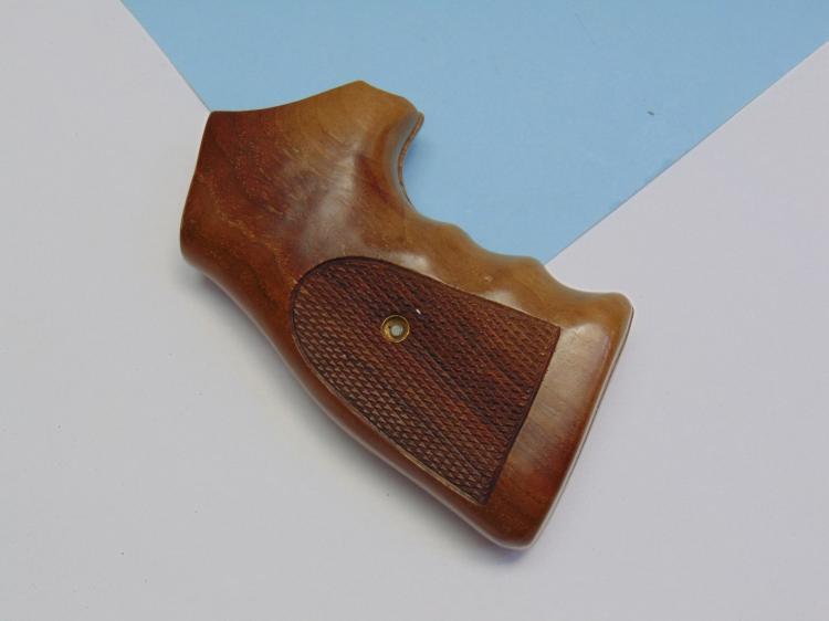 S&W Hardwood Handgun grips