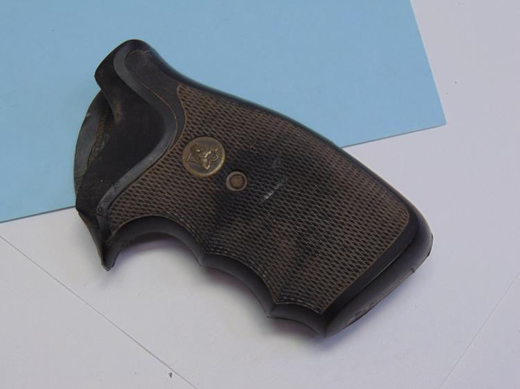 Pachmeyer S&W Square Butt Grips.