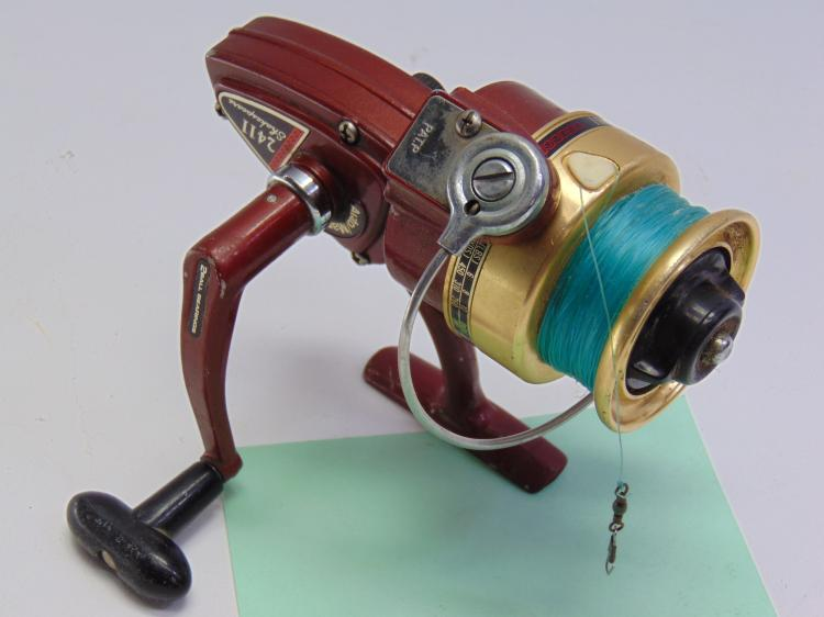 Vintage Shakespeare 2411 Ball Bearing Fishing Reel
