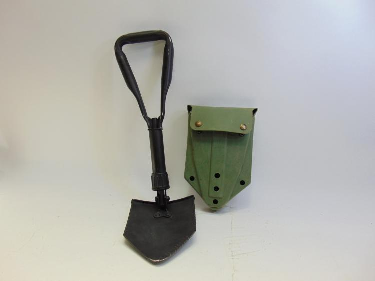 Vintage Military AMES 81 Folding Utility Shovel In Case and Belt Clips